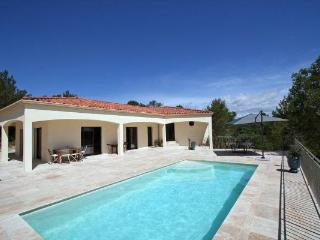 Spacious 4 bedroom Caveirac Villa with Internet Access - Caveirac vacation rentals