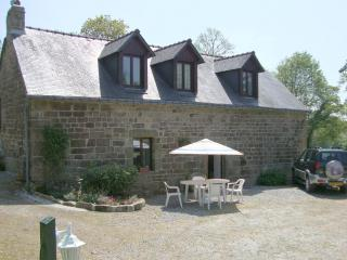Kerhotten Cottages - Chestnut cottage, Family Gite - Langoëlan vacation rentals