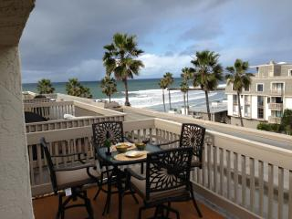 2 bedroom Apartment with Internet Access in Oceanside - Oceanside vacation rentals