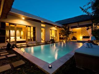 Luxury 2 BR Surfer Villa, Canggu, Close To Beach - Canggu vacation rentals