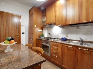 Apartment Ca' Elena, in Cannaregio, near Fondamenta Nuove and Rialto - Venice vacation rentals