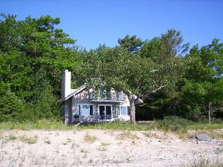 Tranquil Haven on a Private Lake Michigan Beach - Northport vacation rentals