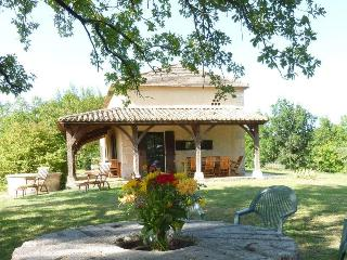 Bright Aquitaine vacation Cottage with Shared Outdoor Pool - Aquitaine vacation rentals