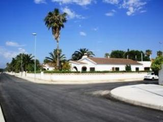 Big seafront ground floor house - Camarles vacation rentals