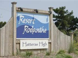 Cozy 2 Bedroom Condo in Rodanthe! Great Views! Resort Pool! R6 - Rodanthe vacation rentals