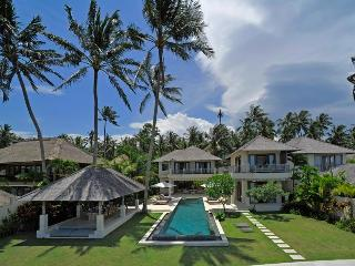 Cempaka Beach Villa - 4 Bedroom in Candidasa,Bali - Candidasa vacation rentals