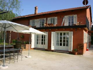 LA TERRAZZA II - FARMSTEAD IN ROERO ( Pool at Exclusive Country Club) - Cisterna d'Asti vacation rentals
