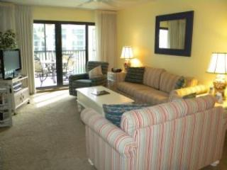 Pointe Santo #B21 Remodeled Condo with Lush Tropical Lagoon Views - Image 1 - Sanibel Island - rentals