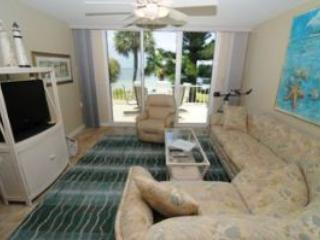 Lighthouse Pointe #223 Gorgeous Bay Front Views - Sanibel Island vacation rentals