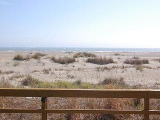 Lovely Villa with Internet Access and A/C - Isle of Palms vacation rentals