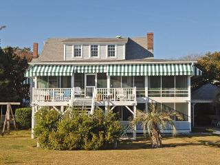 Comfortable 6 bedroom House in Sullivan's Island - Sullivan's Island vacation rentals