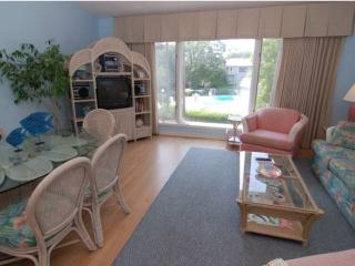 2 bedroom Villa with Internet Access in Isle of Palms - Isle of Palms vacation rentals