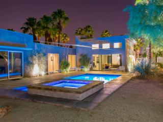 The Whant Collection - Mountain View, Modern Home Retreat in Palm Springs - Palm Springs vacation rentals