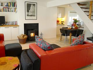 Pet Friendly Holiday Cottage - Cariad y Mor, Broad Haven - Broad Haven vacation rentals