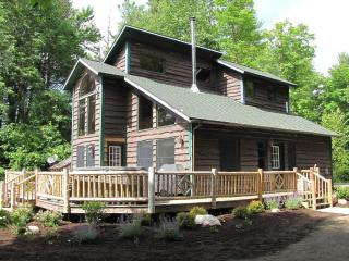 Otter Chalet - Lake Front- Hot Tub- Sauna! - Wilmington vacation rentals