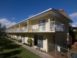 Comfortable 1 bedroom Condo in Hervey Bay - Hervey Bay vacation rentals