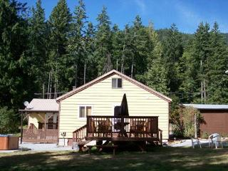 Perfect Cabin with Deck and Internet Access - Ashford vacation rentals