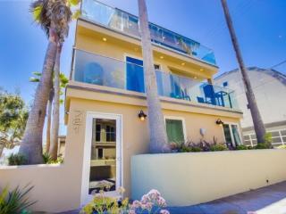 Ocean Breeze 1 - Mission Beach vacation rentals
