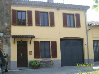 Nice 2 bedroom House in Moncalvo - Moncalvo vacation rentals