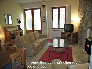Charming House with Internet Access and Microwave - Quillan vacation rentals