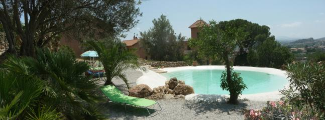 Garden and swimming pool similar to a natural lake - Romantic suite Fico nero with pool, garden and art - Bagheria - rentals