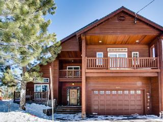 Luxury Donner Lake home w/ private hot tub & shared pool! - Truckee vacation rentals