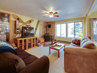 Homey mountain retreat w/ shared pool, hot tub, nearby ski & lake access! - McCall vacation rentals