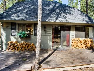 Homey family-friendly house w/private hot tub, SHARC access, great location! - Sunriver vacation rentals