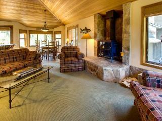 2 Tan Oak - Sunriver vacation rentals