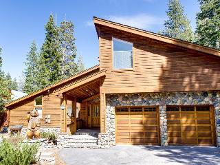 Mountain home w/play room & soaking tub, community amenities - Truckee vacation rentals