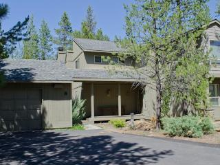 Family-friendly home with SHARC passes, near Mt. Bachelor! - Sunriver vacation rentals