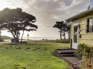 Dog-friendly, vintage-feel cottage close to beach! - Waldport vacation rentals