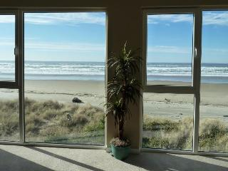 Pretty views of Pacific from dog-friendly, oceanside home - Rockaway Beach vacation rentals