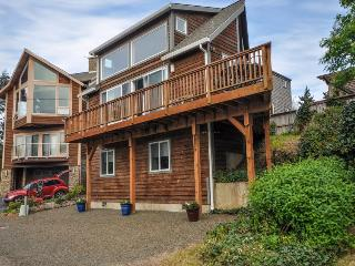 Beautiful oceanview home w/private hot tub, sleeps 8 - Manzanita vacation rentals