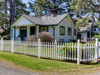 Charming pet-friendly home with space for 6 - Neskowin vacation rentals