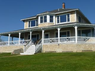 Waterfront home - Spectacular Sunsets - Pocasset vacation rentals