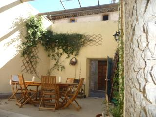 La Maison d'Etre, village house for family groups - Laure-Minervois vacation rentals
