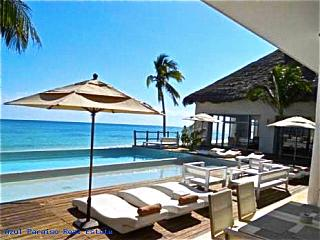 NICK PRICE RESIDENCES  2 Bedr  GOLF COURSE VIEW - Playa del Carmen vacation rentals
