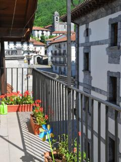 Cozy 2 bedroom Pamplona Condo with Internet Access - Pamplona vacation rentals
