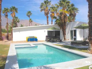 Summer $259/nt! View, Bikes, Spa, Firepit - Palm Springs vacation rentals