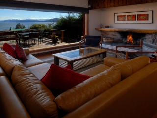 3 bedroom House with Wireless Internet in San Carlos de Bariloche - San Carlos de Bariloche vacation rentals
