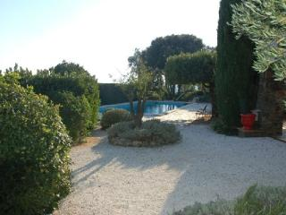 Cavalaire Sur Mer 4 Bedroom Villa with a Pool - Cavalaire-Sur-Mer vacation rentals