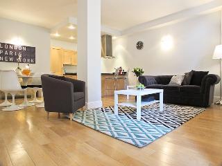 Covent Garden 2 Bedroom 2 Bathroom (4288) - London vacation rentals