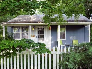 "Kansas City  ""Beach"" Cottage - Independence vacation rentals"