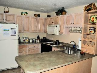 470 Laurelwoods~At Big Boulder Lake~Indoor Hot Tub - Poconos vacation rentals