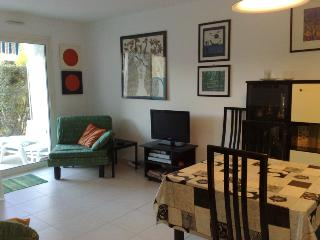 Pet-Friendly Apartment with Garden in Juan les Pin - Juan-les-Pins vacation rentals