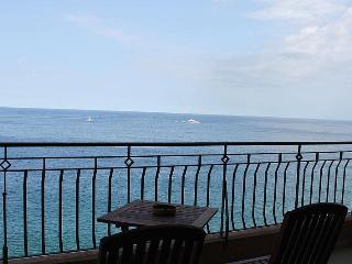 Modern 3 Bedroom A/C Seafront Apt FREE Wifi L3 - Sliema vacation rentals
