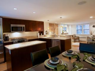Lovely Condo with Deck and Internet Access - Boston vacation rentals