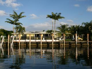 Waterfront, private pool, canoe, dock. Near beach. - Boca Raton vacation rentals