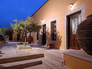 Cretan hospitality in a Mansion - Image 1 - Archanes - rentals